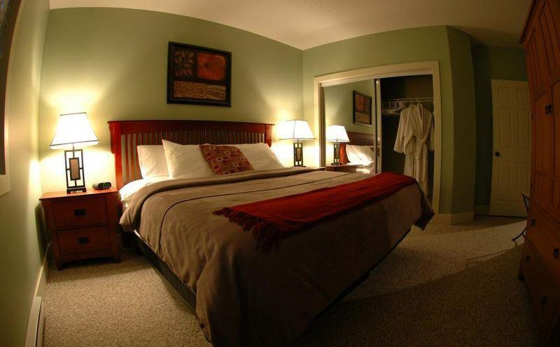 Master bedroom - Radium Hot Springs, fully equipped vacation rental - Radium Hot Springs - rentals