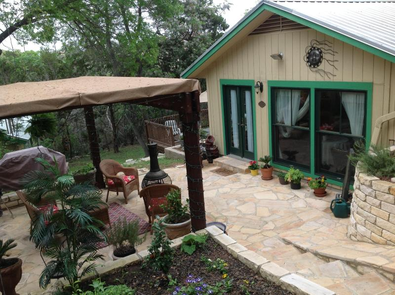 Your Private Cottage - Welcome to The HIdeaway at Lake Travis .... Romance and Elegance on Lakes Travis & Austin - Austin - rentals