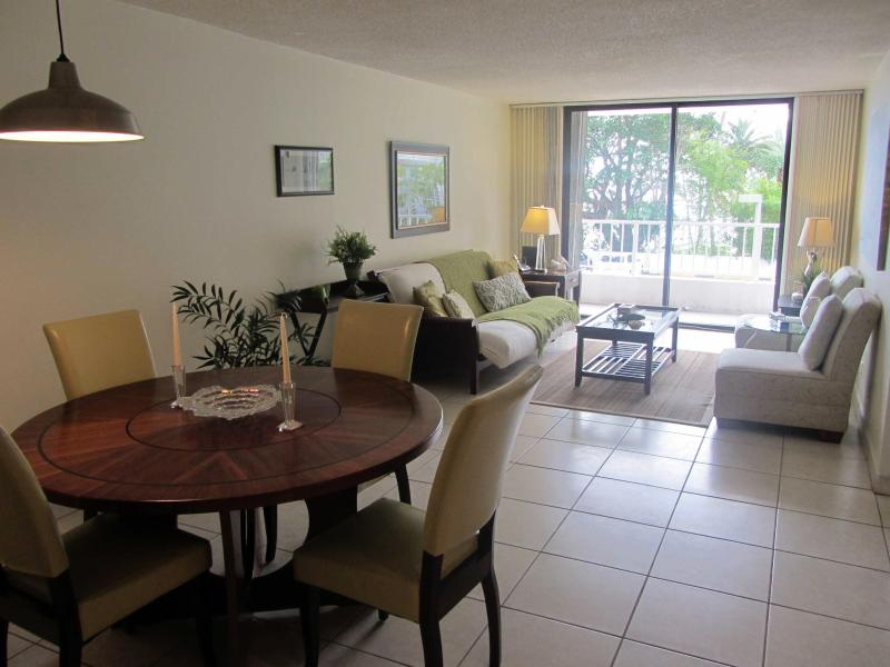 Living Room / Dining Room  - Tropical Hideaway In Coconut Grove - Coral Gables - rentals