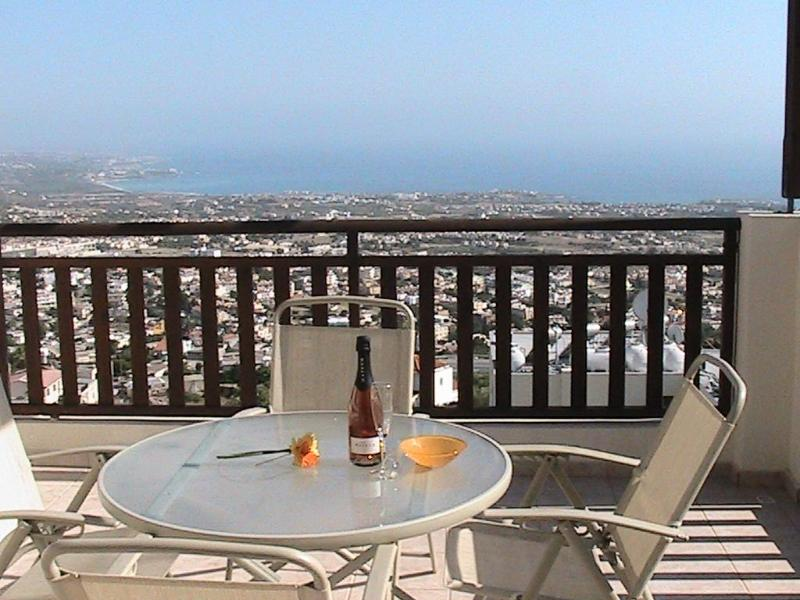 Beautiful Views - Eagle Nest  Studio Apartment in Peyia, Paphos - Peyia - rentals
