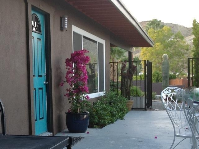 Welcome!   To a Pretty, Private Cottage in the Cove with Large Secluded Pool & Excellent Views. - Pretty Cottage!   Upper Cove.   Pool, Views, Pets! - Cathedral City - rentals