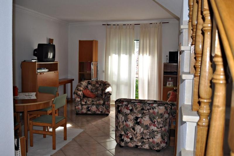 Apartment in a quite environment and near the beach - Image 1 - Portimão - rentals