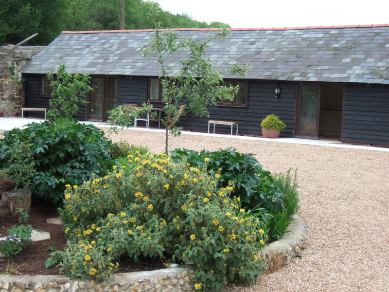 1 Mill Cottages, rural self catering cottage - Image 1 - Ashford - rentals