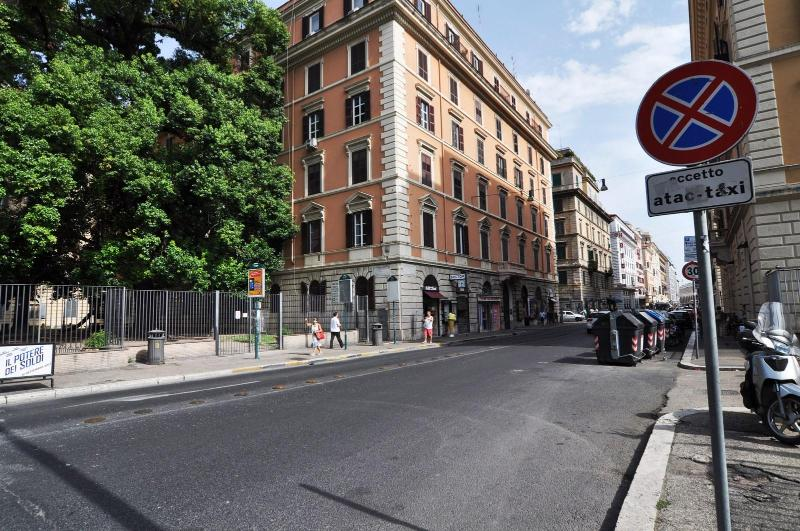 New 4bedroom in the historical centre (Termini2) - Image 1 - Rome - rentals