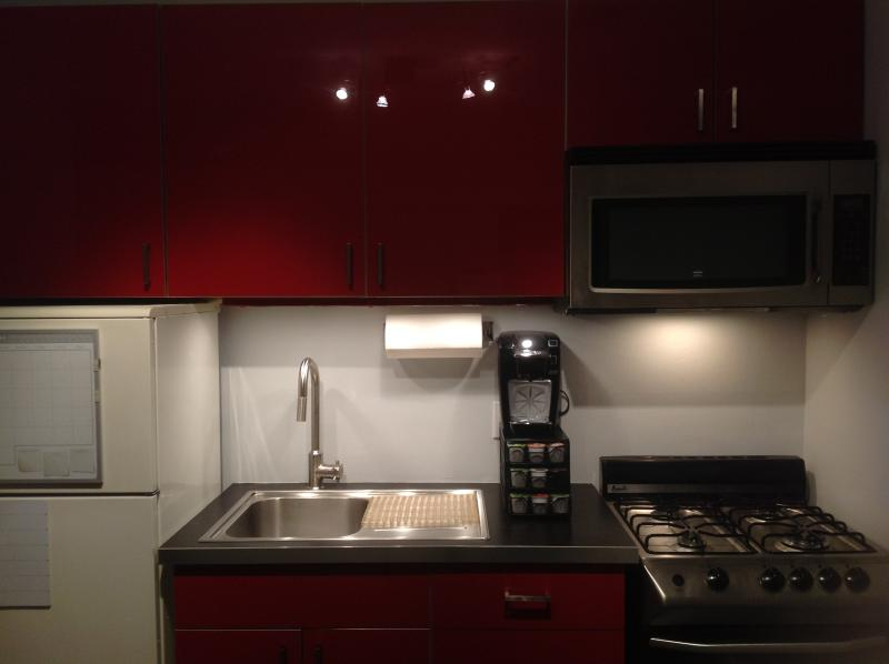 Kitchen - New listing, perfect vacation home! - New Rochelle - rentals