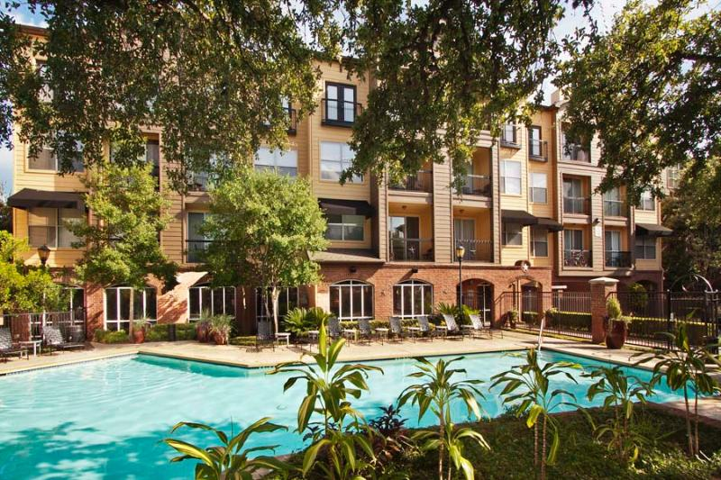 Pool View - South Congress Apartment: Stay & Adventure Austin - Austin - rentals