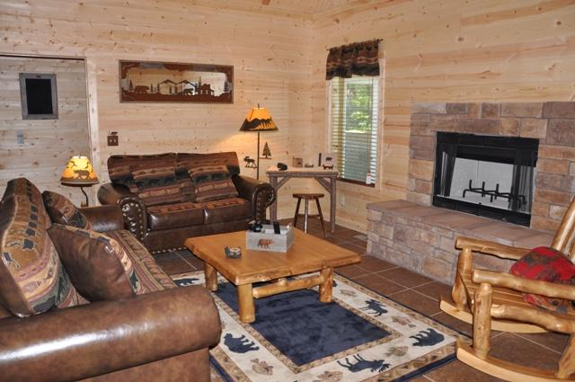 Great Rooms with fireplaces, flat screens - Amazing Branson Cabin near Shows located in Woods - Ridgedale - rentals