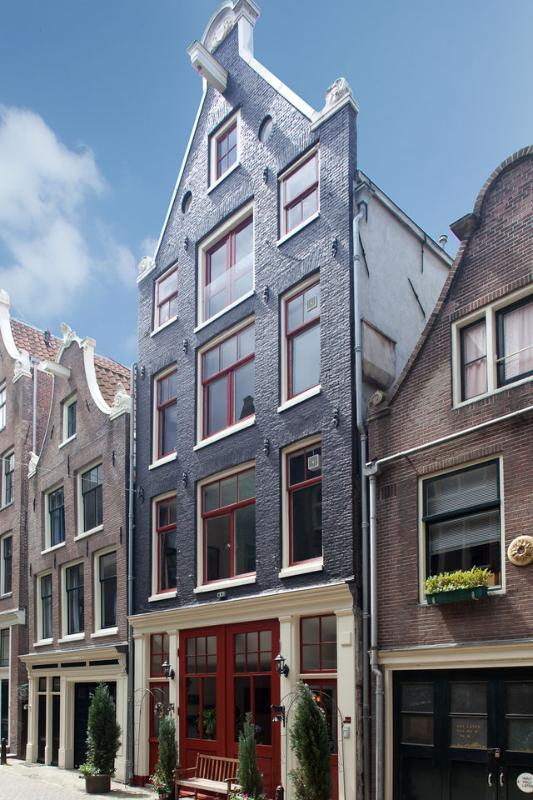 Outside of our 400 year  heritage House - Boogaard's BNB  Now Has Two bedroom Apartment suit - Amsterdam - rentals