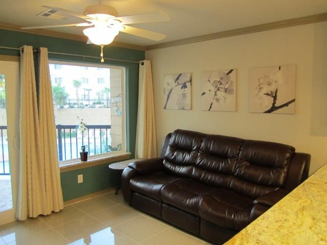 New Luxury Pool View Resort Condo, 3 Pools Hot tub - Image 1 - Galveston - rentals