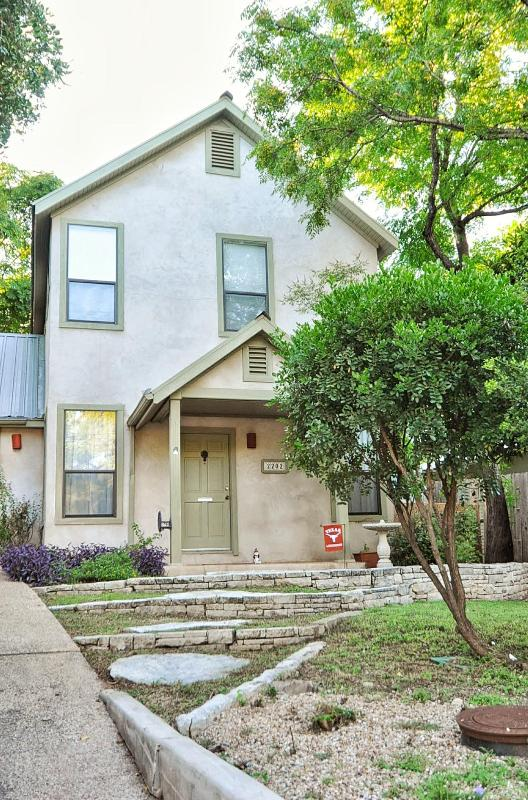 SoCo Bungalow- charming 3/3 house in 78704!! - Image 1 - Austin - rentals