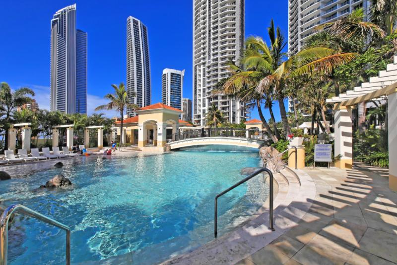 Beaches in sky - Chevron Towers Affordable Holidays - Surfers Paradise - rentals