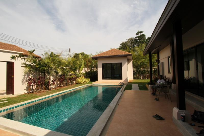 Modern villa with 3 bedrooms close to Rawai beach - Image 1 - Rawai - rentals