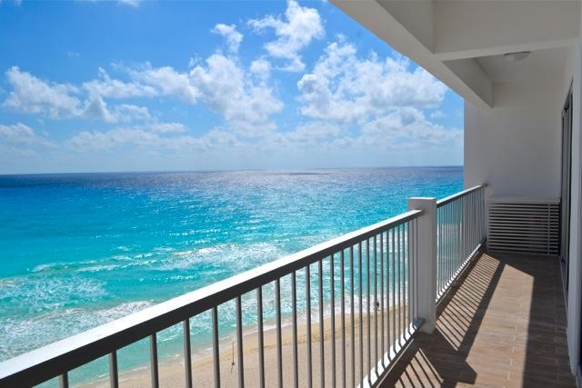The amazing view to the Caribbean Sea from your own balcony! - Condo On The Beach In The Cancun Hotel Zone - Cancun - rentals