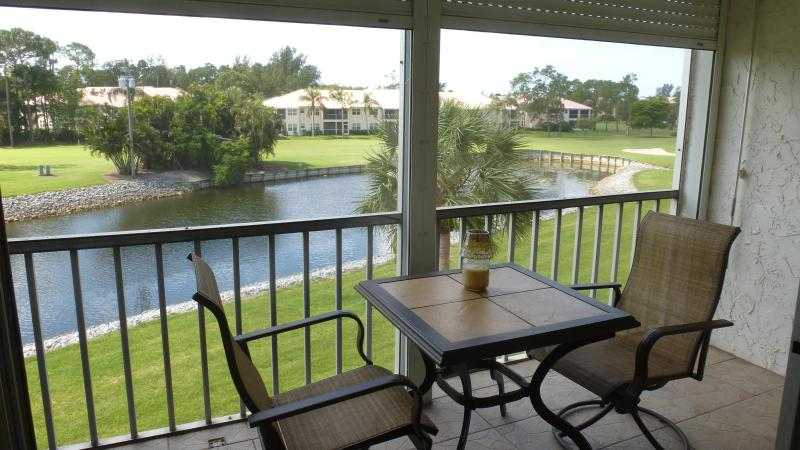 Lanai overlooking Golf Course - Condo in Turtle Lake in Beautiful Naples Florida - Naples - rentals