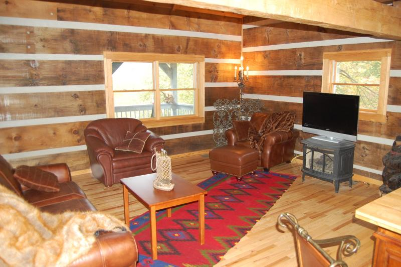 Living Room Floor 2  - Luxury Log Home Off Fie Top 1 mi from the ski area - Maggie Valley - rentals