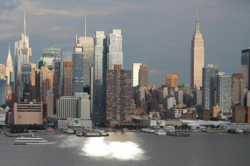 NYC is yours! - Beautiful Apt. Close to New York City! - West New York - rentals