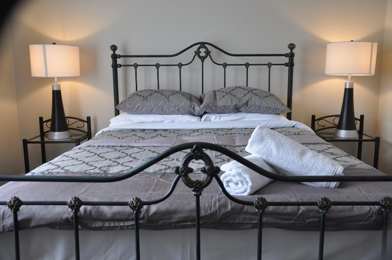 King Suite - Gawler Serviced Accommodation - Quality & Value - Gawler - rentals