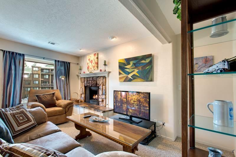 Cozy Condo Walking Distance to Hiking, Biking and a Shuttle Ride away from Heavenly Mountain (UK32) - Image 1 - Stateline - rentals