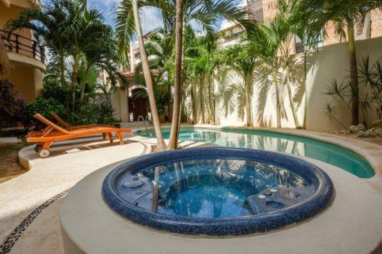Condo Mirasol - common areas with pool and jacuzzi - vacation rentals playa del carmen - VRNM Mirasol - Playa del Carmen - rentals