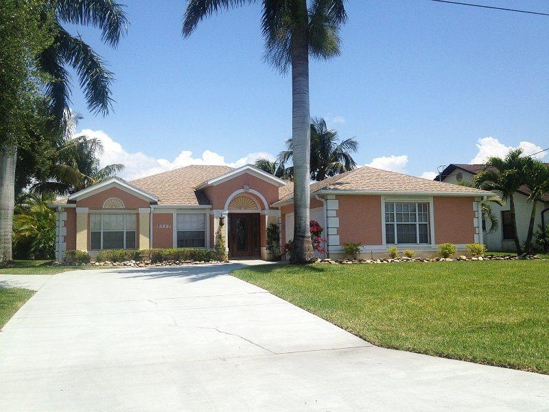 Coral Palms - 4 Bedrooms, 2 Baths, Solar Heated Pool, Billiard, Gulf Access, Dock and Lift - Image 1 - Fort Myers - rentals