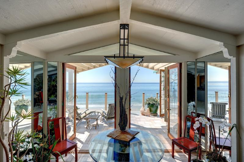 On the sand, just 6 miles from Santa Monica - Beauty and the Beach / Winter on the Sand Special! - Malibu - rentals