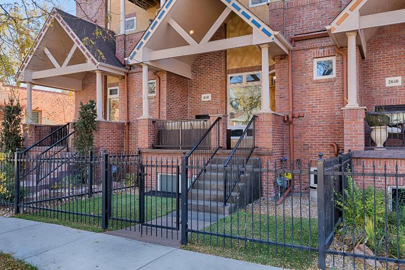 New Luxury Townhome in Denver's Hottest neighborhood.  Walk to Downtown! - Grand Opening!  Luxury Townhome in Downtown Denver - Denver - rentals