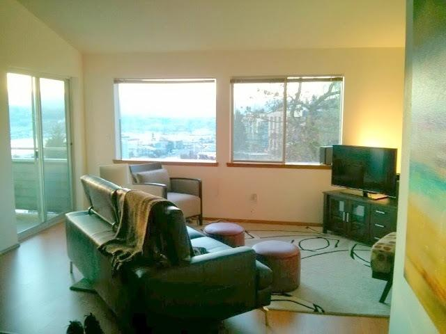 Vaulted ceilings and downtown views! - LAKE UNION VIEW APARTMENT - Furnished Bed+Bath - Seattle - rentals