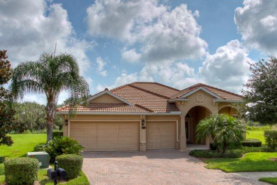 Front of House - (RS01) Luxurious 4 Bedroom Home Within the Golf Community of RiverStrand (RS01) - Bradenton - rentals