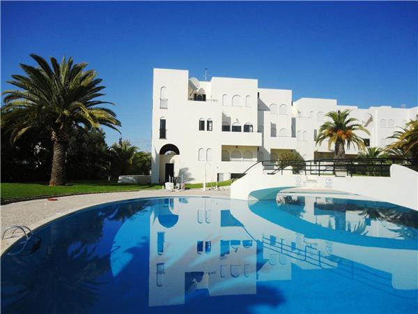 Apartment for 8 persons, with swimming pool , in Portimao - Image 1 - Portimão - rentals