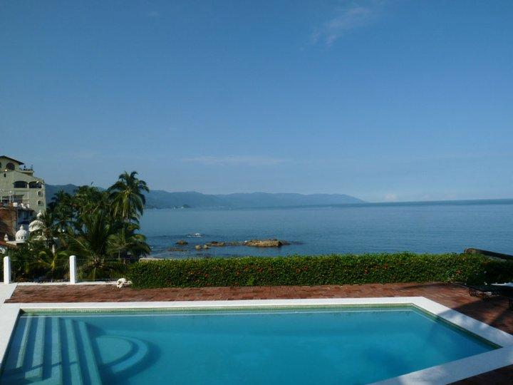 PVR - LIDO4 Stunning, panoramic ocean view, authentic cuisine and artistic decor - Image 1 - Quimixto - rentals