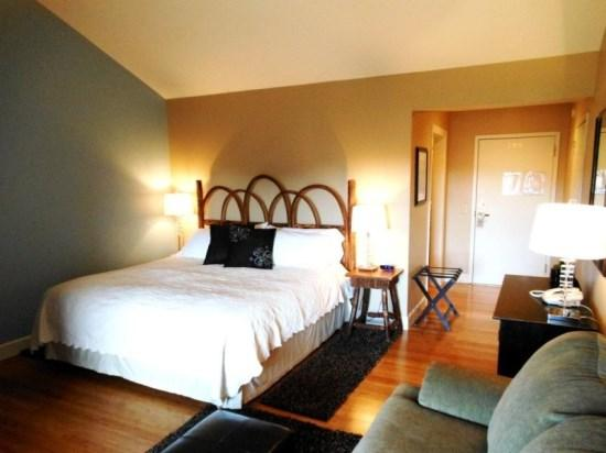 King Bed with Plush Linens - Yonahlossee Inn 558 - Blowing Rock - rentals