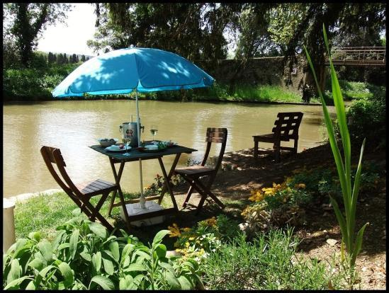 Canalside herb garden - Cottage by the Canal du Midi 12 k from Carcassonne - Carcassonne - rentals