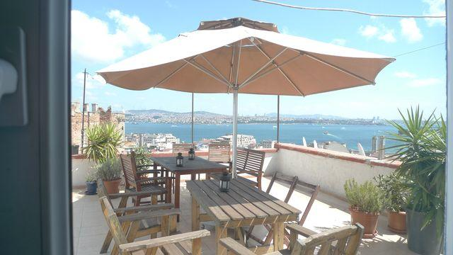 roof dining with expansive views - Studio flat with incredible views & roof terrace - Sultanahmet - rentals