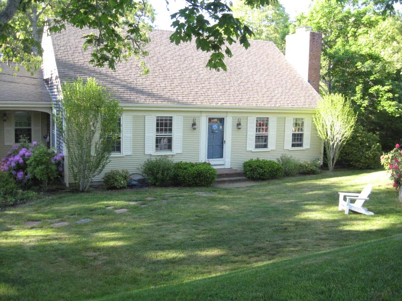 Spacious Cape with central air and sleeps 10+ - Image 1 - South Harwich - rentals