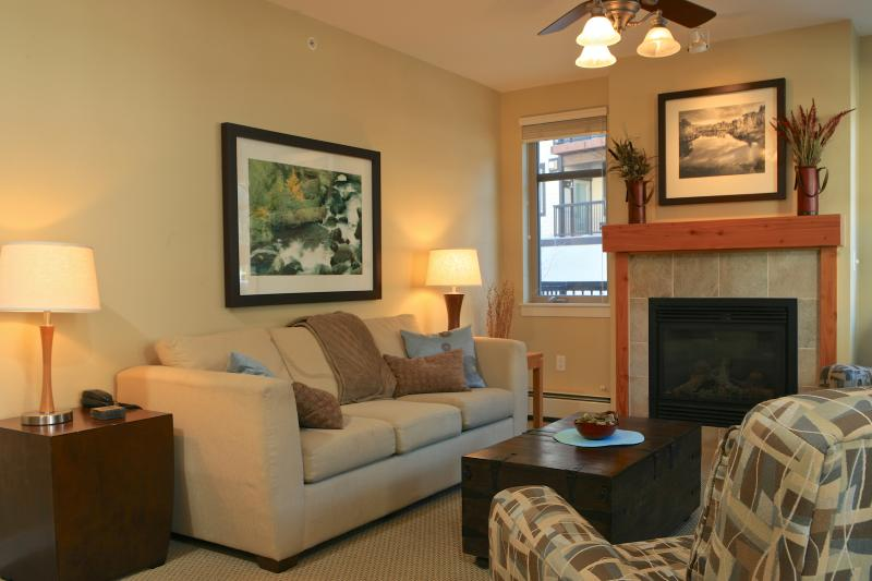 Fraser Crossing 3326: Perfect family ski condo at Winter Park Resort, just a 2 minute walk to the slopes! - Image 1 - Winter Park - rentals