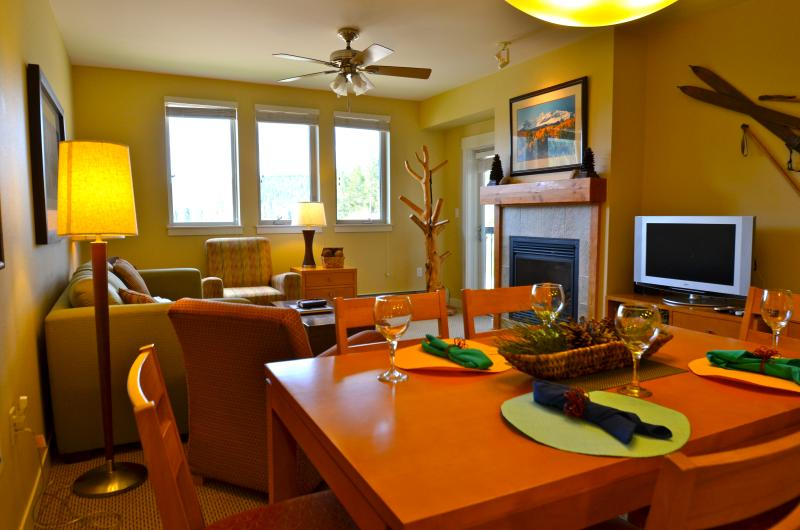 Fraser Crossing 3506: Hop, skip & a jump to the lifts from this modern condo at Winter Park Resort - Image 1 - Winter Park - rentals