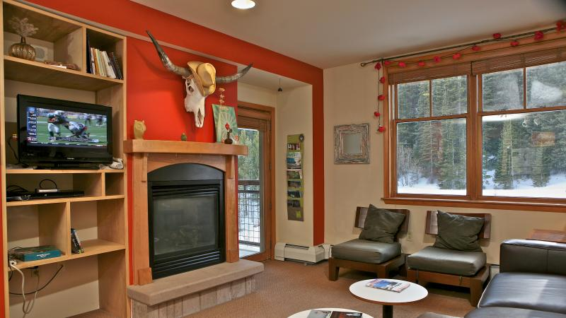 Zephyr 1603: Premier ski in/ski out condo with spectacular views & great amenities. - Image 1 - Winter Park - rentals