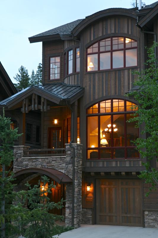 Base Camp 480: Exquisite Base Camp Townhome Below The Trails Of Winter Park Resort - Image 1 - Winter Park - rentals