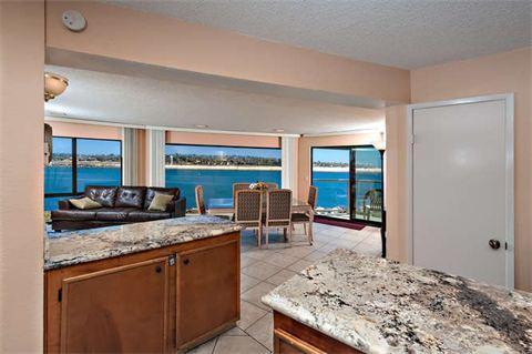 dining room with water view - 2595 Oceanfront Walk #5 - San Diego - rentals