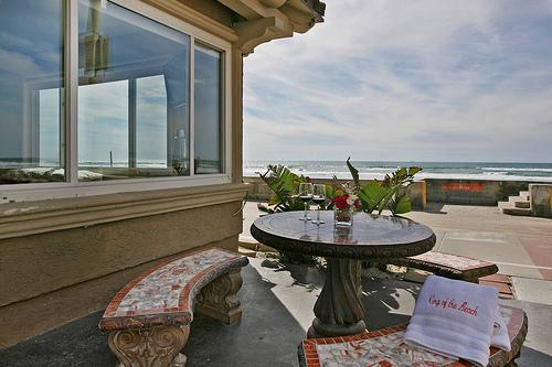 patio with ocean view - San Diego 1 BR-1 BA House (3969 Ocean Front Walk #7) - San Diego - rentals