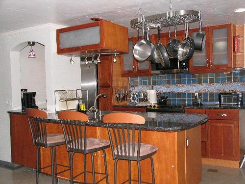 kitchen with breakfast counter - 2922 Bayside Walk #B - San Diego - rentals