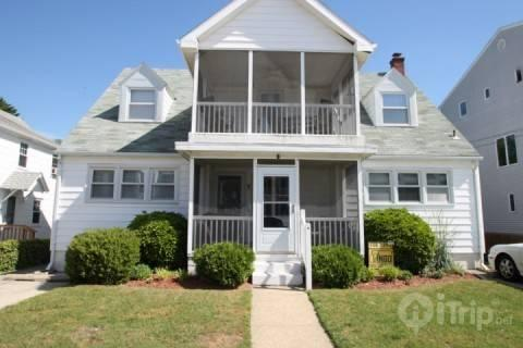 7 Hickman St. Rehoboth Beach, Ocean Block - Ocean Block, Steps from the Beach and Boardwalk with Large Screened Porch - Magnolia - rentals