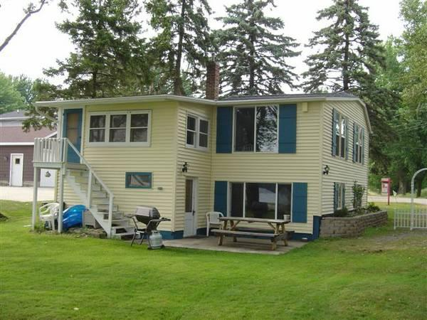 Lake side view of Firefly Cottage - Wisconsin Lake House 3 Hrs to Chicago - Hustisford - rentals