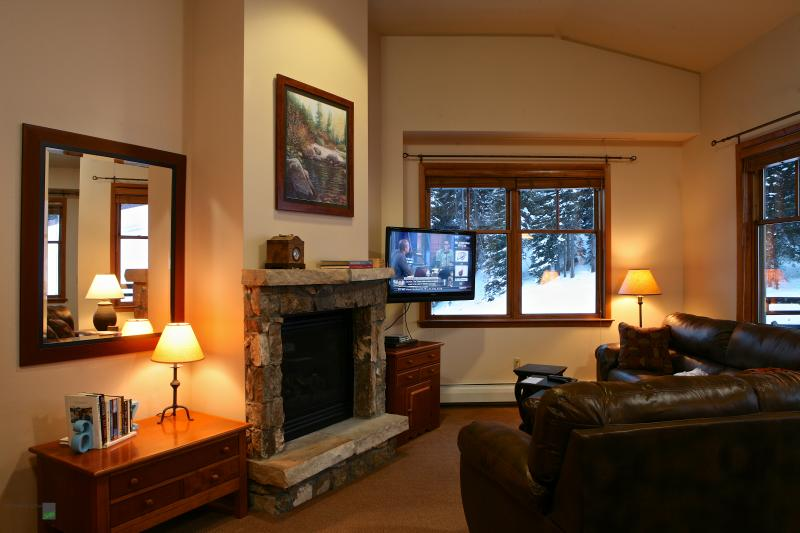Zephyr 1703: Three Bedroom Zephyr Condo looking over the slopes & Village at Winter Park Resort - Image 1 - Winter Park - rentals