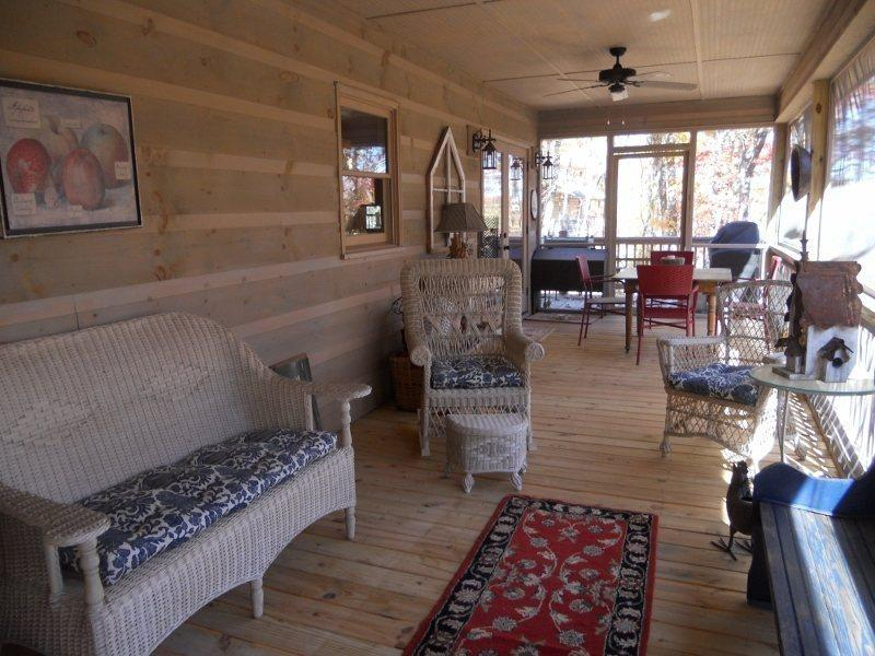 The screened in back deck with comfortable outdoor furniture.   - Welcome to Deer Creek - Ellijay - rentals