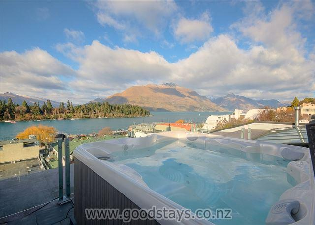 Shotover Penthouse and Spa - Image 1 - Queenstown - rentals