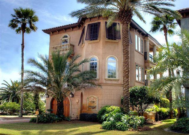 Bella Bluff - Gorgeous 4 bedroom, Tuscan style home right across from the beach! - Bella Bluff - Miramar Beach - rentals