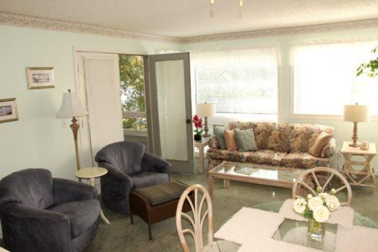 Close to Everything-Great Family Condo - Image 1 - Myrtle Beach - rentals