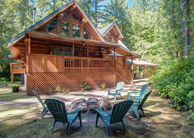 Riverwoods Lodge - Riverfront, Hot Tub, Dogs OK - Image 1 - Mount Hood - rentals