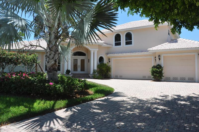 Balboa Ct - BALB1248 - Gorgeous Waterfront Home! - Image 1 - Marco Island - rentals